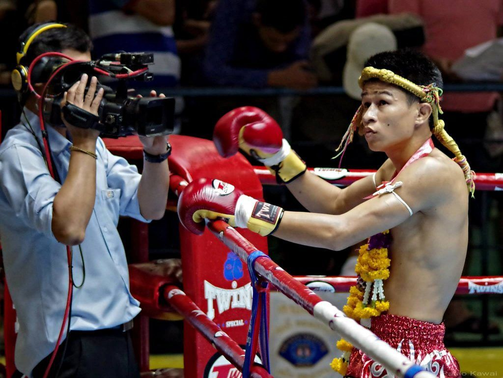 Born into poverty, Sagetdao started Muay Thai as a child to support his parents.