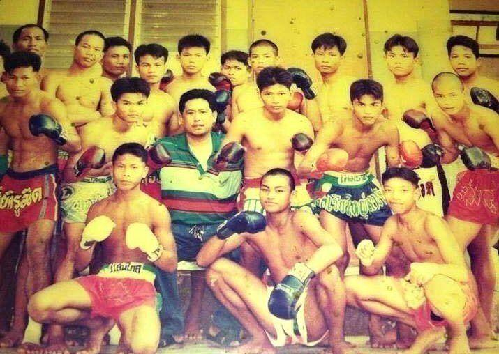 Before he became a boxer, Pongsaklek fought Muay Thai.