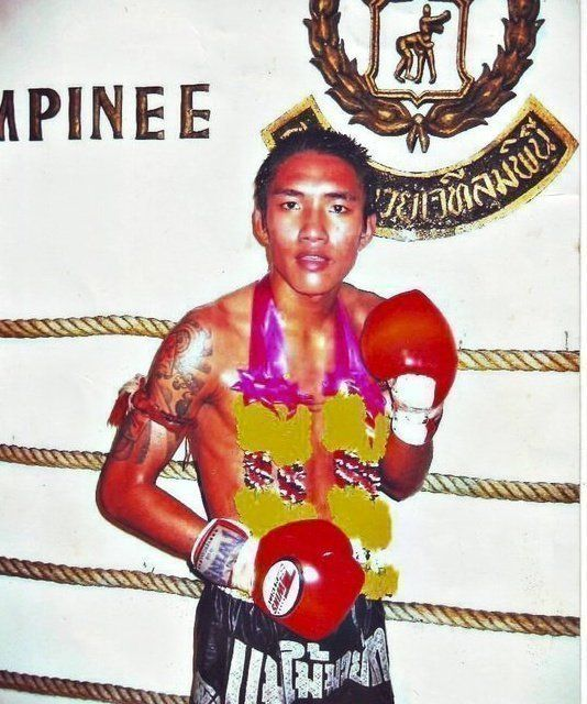 Yodteera is a WMC World Champion in Muay Thai, and he has won many titles in Thailand and around the world.
